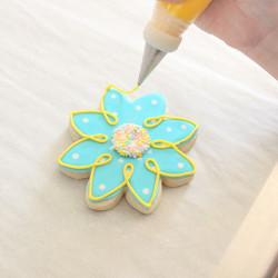 """Мастер-класс - украшаем сахарное печенье в форме """"Цветов"""""""