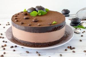 Шоколадный муссовый торт – потрясающе вкусный десерт на праздник