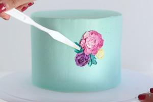 Как украсить торт цветами – оригинальная идея в мастер-классе